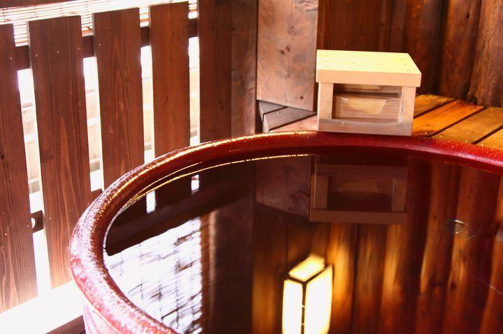 """カップル旅行にもおすすめ。熱海の""""露天風呂付き客室""""のある宿9選   RETRIP[リトリップ]"""