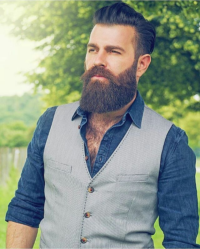 Today's outfit, one fcking mazing beard!   Visit www.beardsaresexy.com to have your photo posted. (link in bio)   Combine your sexy beard with a killer hairstyle, follow @sexyhairstylemen   Model: @wuuulli