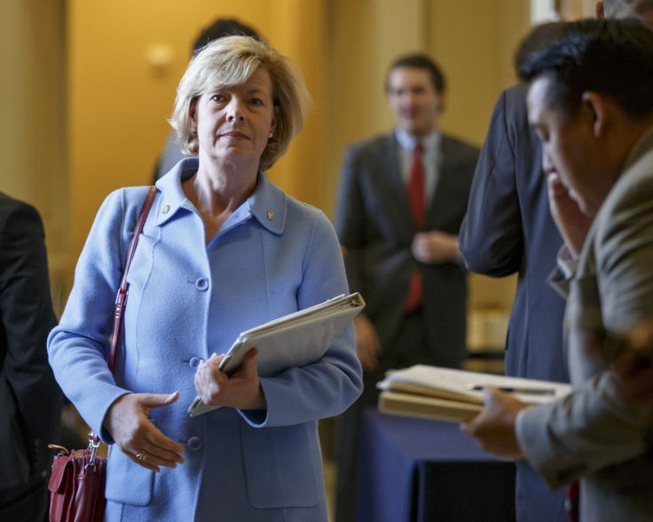 Tammy Baldwin champions deal to revive Perkins loans for low-income college students