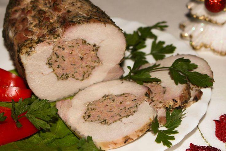 Schab faszerowany mięsem mielonym z natką pietruszki
