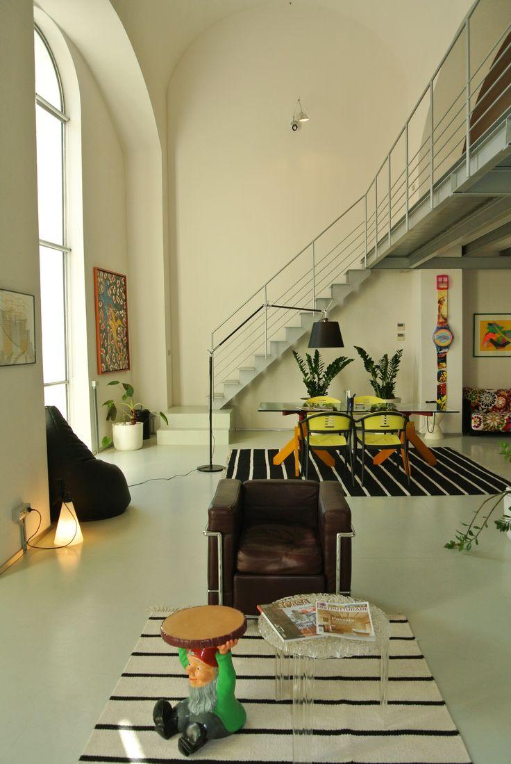 Uno spazio che racchiude la nostra creatività, l'amore per il design e le linee pulite #interior #architettura