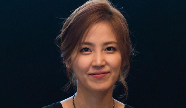 Shin Dong Mi Photos