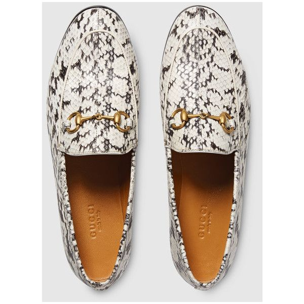 Gucci Jordaan Snakeskin Loafer ($1,200) ❤ liked on Polyvore featuring shoes, loafers, bit loafers, loafer shoes, leather sole shoes, snakeskin flat shoes and gucci loafers