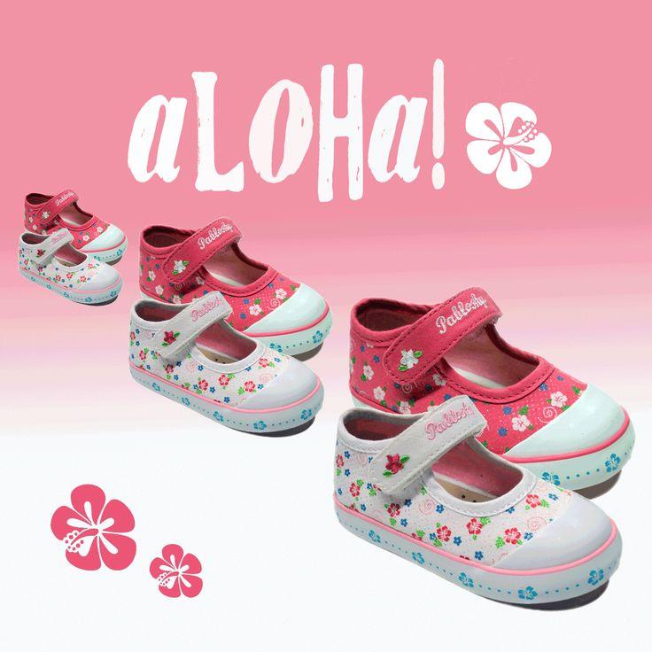Zapatillas de lona para #niña de la marca #Pablosky. Con cierre de velcro y estampado de flores hawaianas. Moda en #calzadoinfantil