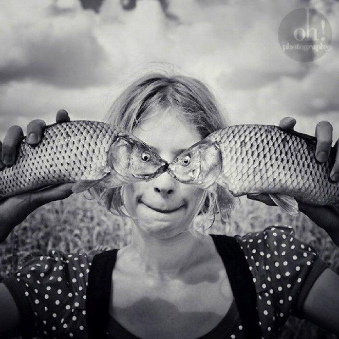 Volti che si nascondono dietro agli occhi di un pesce e corpi magicamente scomparsi dentro al pavimento. Prospettive uniche, illusioni ottiche e spazi confusi. Sono le immagini surreali di Oleksandr Hnatenko, bizzarre e giocose: 'S. Real'. La capacità del fotografo austriaco di catturare un f