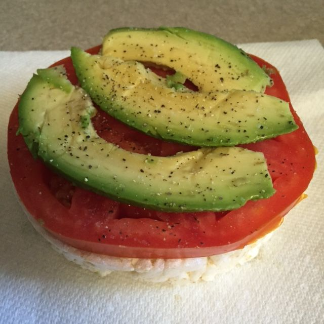 Day 11-yummy snack today...tomato and avocado on a  brown rice cake. Enjoyed my taffy apple shake for breakfast and a blueberry avocado shake for lunch. Dinner was brown rice pasta with detox friendly sauce and grassfed beef meatballs. This is definitely a lifestlye that is doable for, well...LIFE! #detox #cleaneating #arbonne #cleanlifestyle