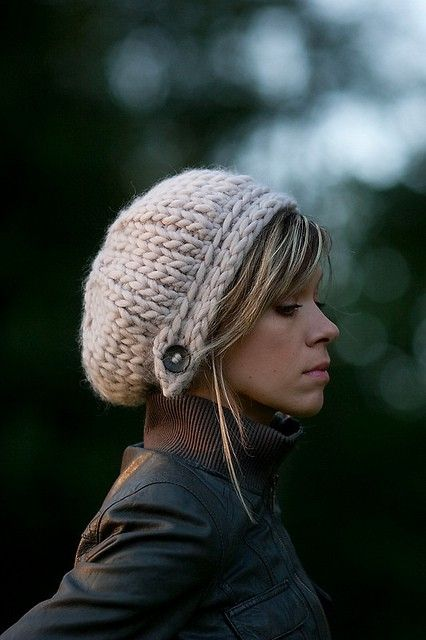 slouchy knit hat pattern - love the button! by cristina
