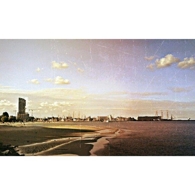 My Landscape Photo Of The Week Towards Dusk #gdynia #gdynia_official #igerspoland #instagrampl #igerspol #loves_poland #grupamobilni #mobilnytydzien  #instagramhub #ig_europe #igworldclub #ig_worldclub #ig_magical  #ig_piemonte #ig_photooftheday  #unsung_masters #thebestphotographers  #ig_worldpics #igcapturesclub #bestestaward  #universal_shotz #pics_groups  #igersgdansk  #worldwide_shot