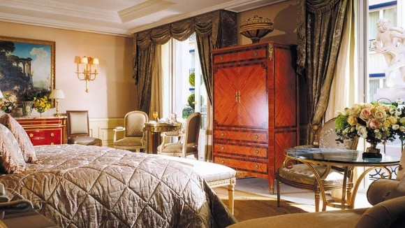 Royal-Suite-Four-Seasons-George-V-in-Paris