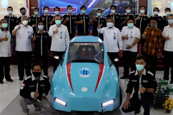 Untan Pontianak Luncurkan Mobil Listrik Karya Mahasiswa Teknik Elektro Mobil Listrik Teknik Elektro Mobil