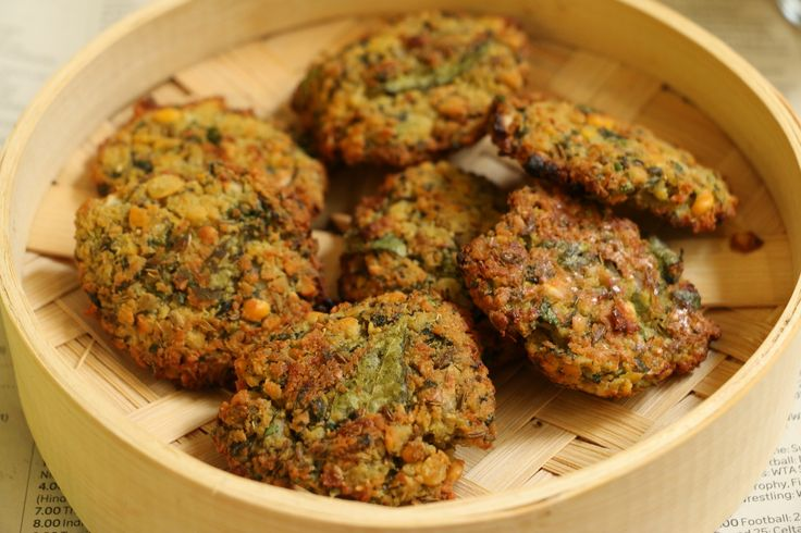 Baked masala dal vada is a perfect monsoon snack and perfect too as it is baked and not deep fried. It is a delicious combination of spiced chana dal and rice flour. Serve hot with Dhaniya pudina chutney with masala chai. Recipe by Neeru. #EgglessBakingContest  http://ift.tt/2bxe6mK #Vegetarian #Recipes
