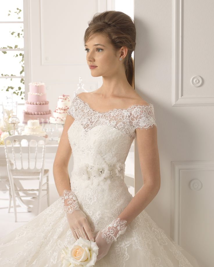 Ayamonte vestido de novia tejido encaje, pedreria y tul