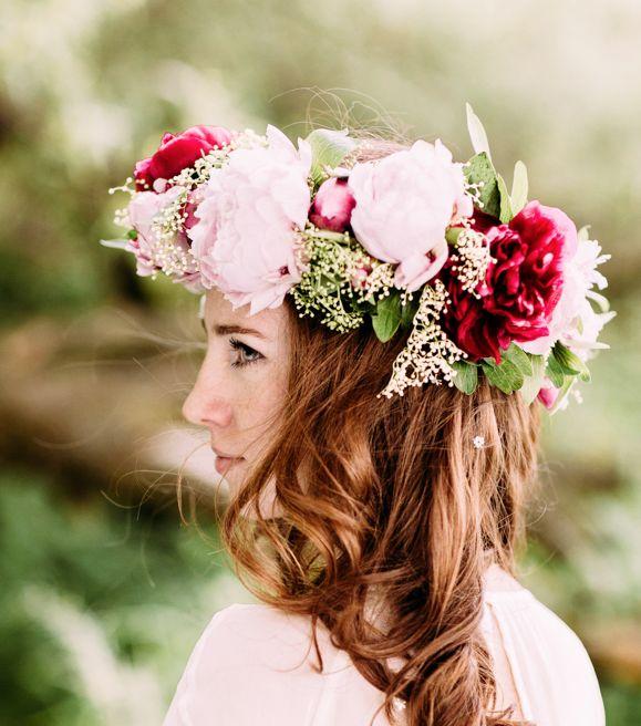 INNA Studio_  floral crowns / duży wianek / różowe piwonie / fot. Bajkowe Śluby