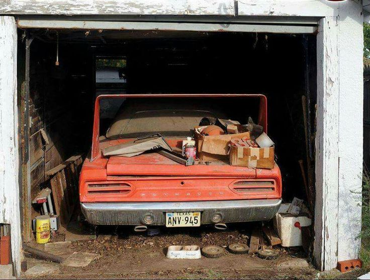 I Had A 1970 Roadrunner Find This Pin And More On Amazing Barn