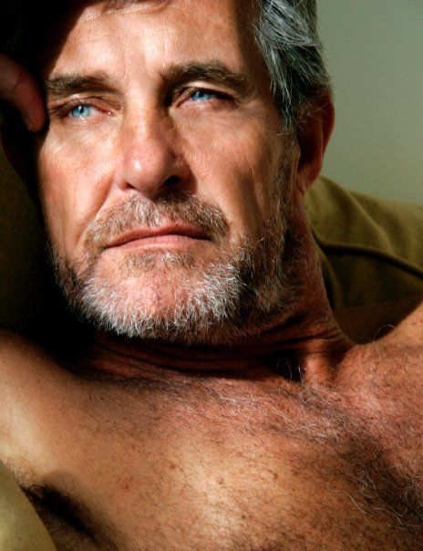 Www hot older men com