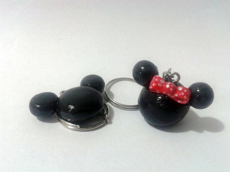 Chaveiros Mickey e Minnie (scheduled via http://www.tailwindapp.com?utm_source=pinterest&utm_medium=twpin&utm_content=post190560641&utm_campaign=scheduler_attribution)