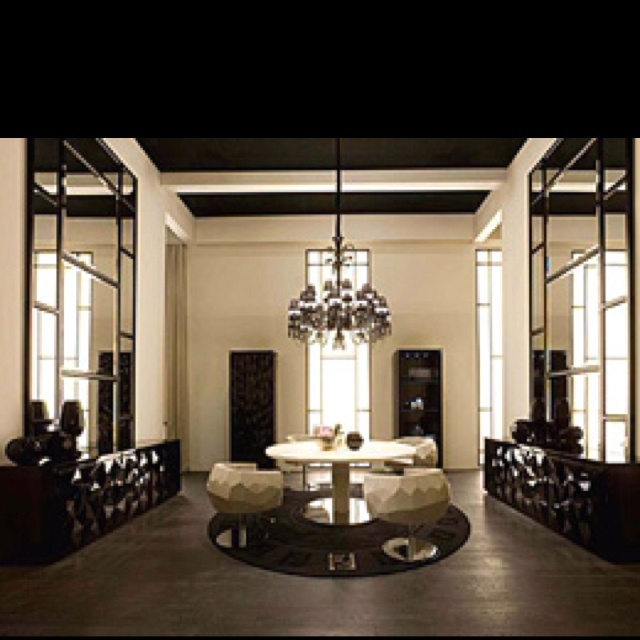 Actually Love This Style   Bernini Dining Table And Crystal Chairs Featured  On The Fendi Casa Website.