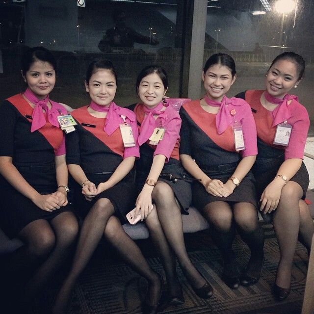 Qantas Manila airport ground staff crewfie @lynantonio   Airport ...