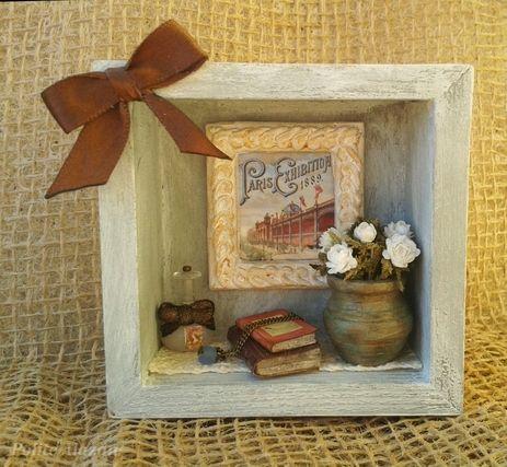 PARIS EXHIBITION MINIATURE VIGNETTE - Escena romántica en un caja de madera de 8,1 x 8,1 cm  y 3,2 cm fondo.