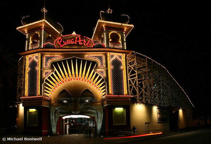 Luna Park By Night, Melbourne, Victoria, Australia Photo: Michael Boniwell
