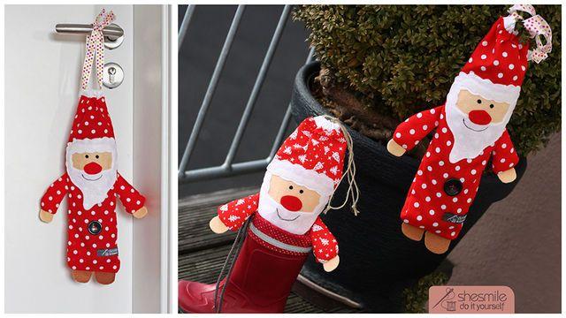 """Von mir erstellte Nähanleitung und Schnittmuster für supersüße Nikolaus-Säckchen. Oder auch """"Nikolaus im Schlafanzug"""" ;-)  Das Säckchen ist schnell und einfach aus wenigen Stoffresten genäht.  Mit dem praktischen Kordelzug können die Säckchen an Türklinken oder Kleiderhaken ganz einfach """"vor die Tür"""" gehängt werden.  Gefüllte Nikolaus-Säckchen passen auch super in Kinderstiefel. Die Arme des Nikolaus hängen dann ganz lässig darüber.  Eine witzige Geschenkidee für Groß und Klein.  H..."""