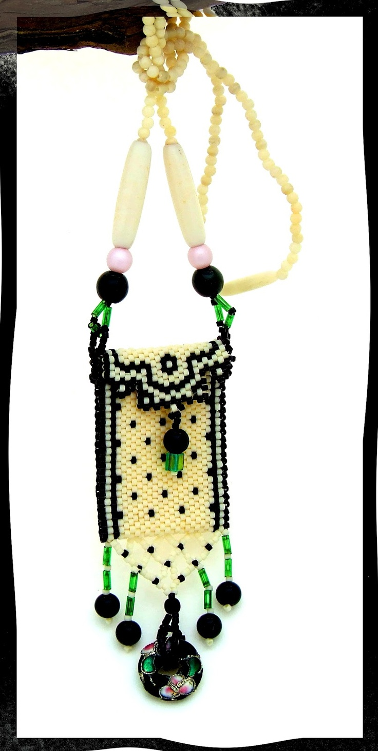 amulet purse Get supplies at www.bergerbeads.net