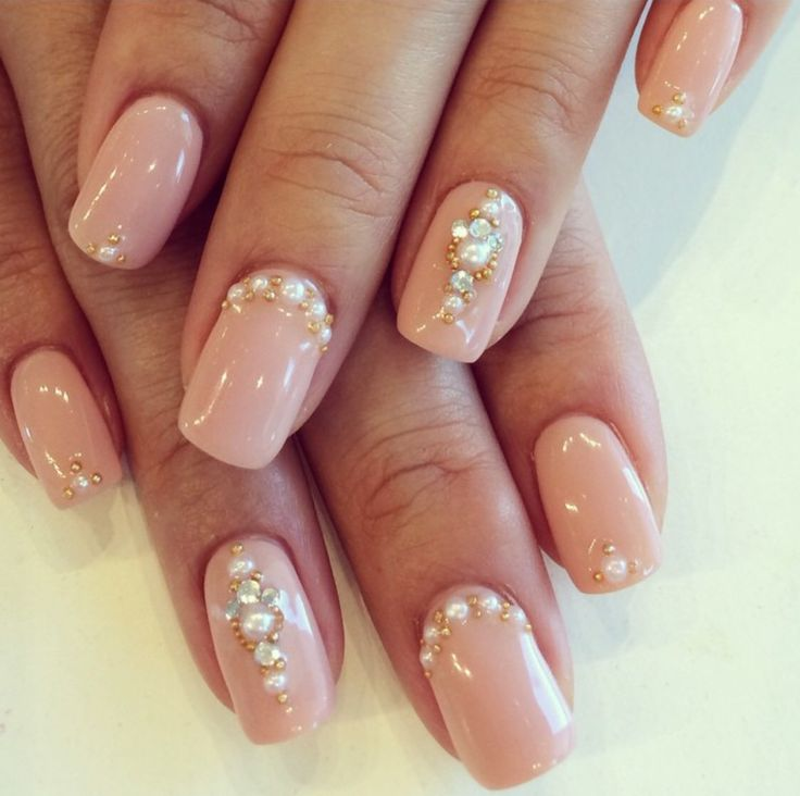 beautiful pinky nude with rhinestones pearls and gold caviar bio sculpture gel 2096