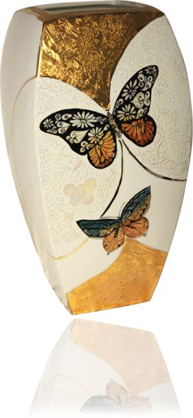 Porcelain Vases,Porcelain paintings made in Italy,luxury porcelain painting by Loredana Corbo,porcelain painting,luxury porcelain painting,Loredana Corbo,hand painted porcelain,painting porcelain,luxury porcelain