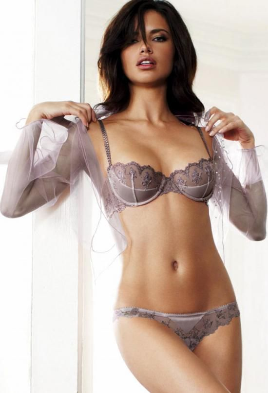 Old Victoria's Secret? If so, why don't they make this anymore? Frm bd: Gorgeous Underneath