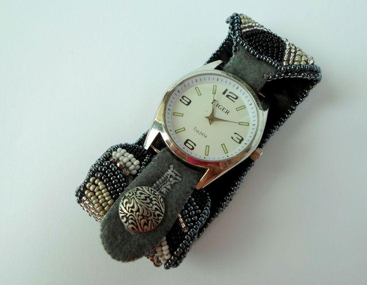 šitý náramek na hodinky, embroidery