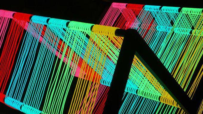Desenvolvida pelo grupo KIWI&POM, a Disco Chair é um conceitual móvel iluminado. Construída a partir de 200 metros de fio eletroluminescente, a cadeira se transforma num verdadeiro arco-íris de…