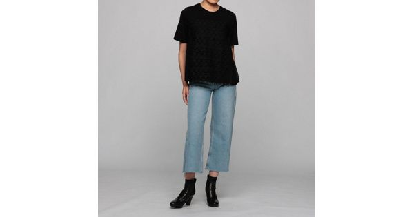 MUVEILの星レースTシャツです。こちらの商品は、【集英社公式通販 mirabella】で購入できます。