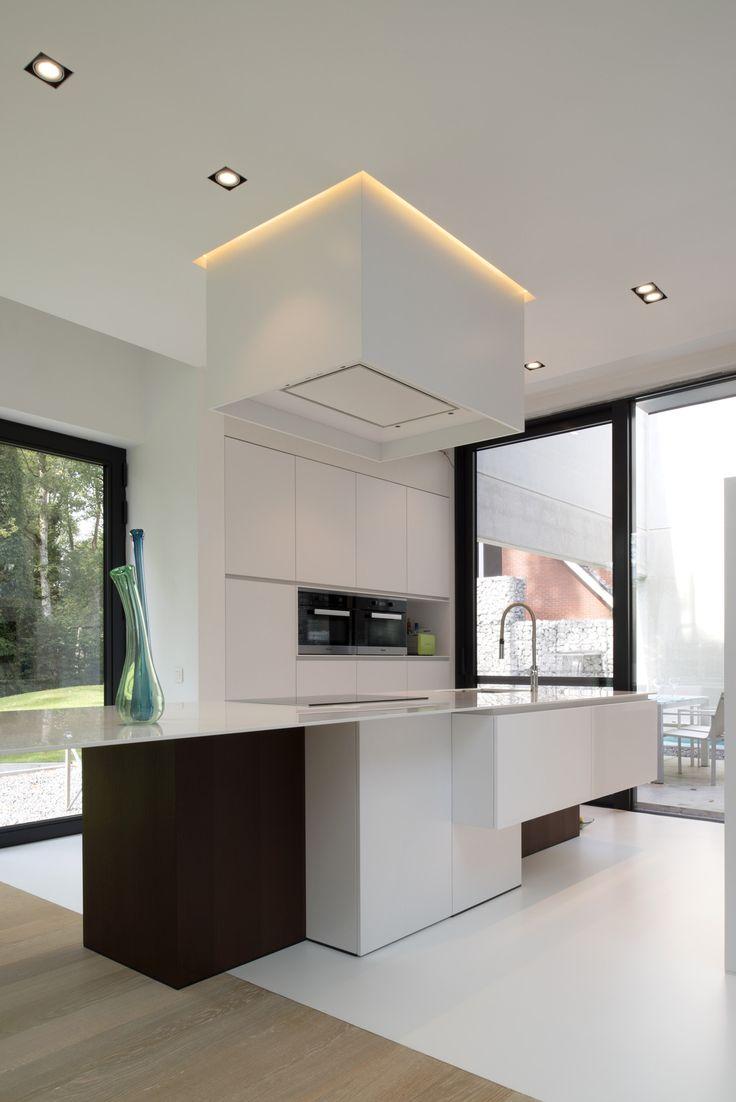 25 beste idee n over kookeiland verlichting op pinterest eiland verlichting hanglamp en - Moderne kleine keuken ...