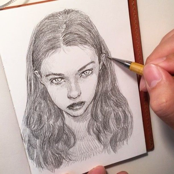 getting close.. makr note. P209 0.9mm Pentel. #beauty #sketchbook #pentel #pencil #makr #portrait #uniquelab #lifedrawing #uniquelabart #freehand #ShotoniPhone