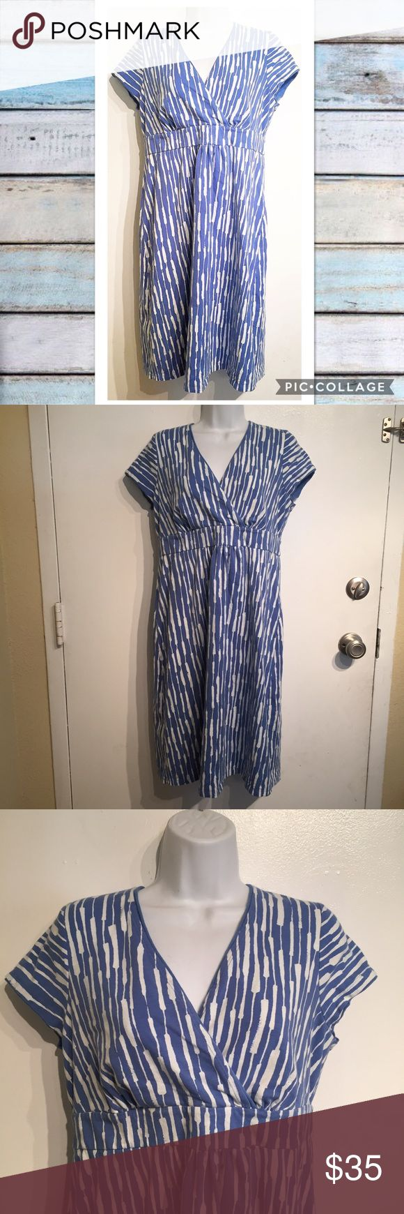 Boden Blue & White Abstract Print Dress Boden blue and white Abstract v Neck Dress. Can be dressed up or down. US size 10R. Great for spring and summer. No modeling. Smoke free home. I do discount bundles. Boden Dresses