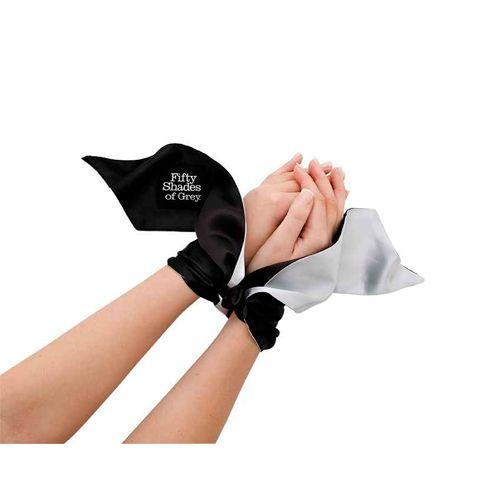 50 Shades Of Grey: Soft Limits - Satin Restraint Wrist Tie Bestellen bij Sexyspeeltjes.nl
