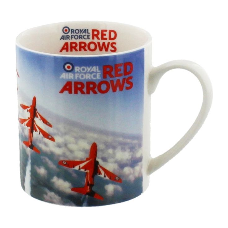 Red Arrows Mug- Made from fine china and depicting the Red Arrows in flight, a fitting tribute to one of the finest display teams in the world who fly the flag across the globe. This officially licensed product is microwave & dishwasher safe and comes in a handsome gift box.
