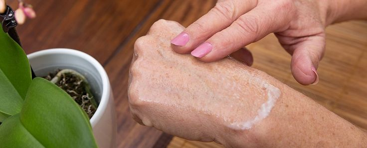 A common antioxidant used as a dye in laboratories could one day be added to skin care products as way to slow the signs of ageing, a recent study on the effects of a chemical called methylene blue on human skin cells suggests.