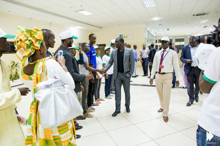 . @Akon à la #COP21 pour l' @AkonLighting initiative.   Dossier spécial ds #ForbesAfrique.  http://www.forbesafrique.com/Forbes-Afrique-et-Trace-Africa-unis-pour-le-top-30-des-artistes-africains-_a117.html