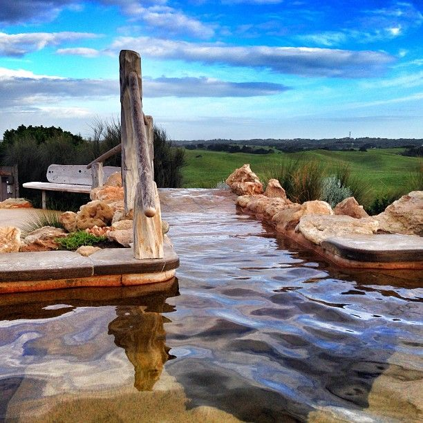Peninsula Hot Springs à Fingal, Victoria http://www.peninsulahotsprings.com/bathing/bath-house-bathing/#BHprices