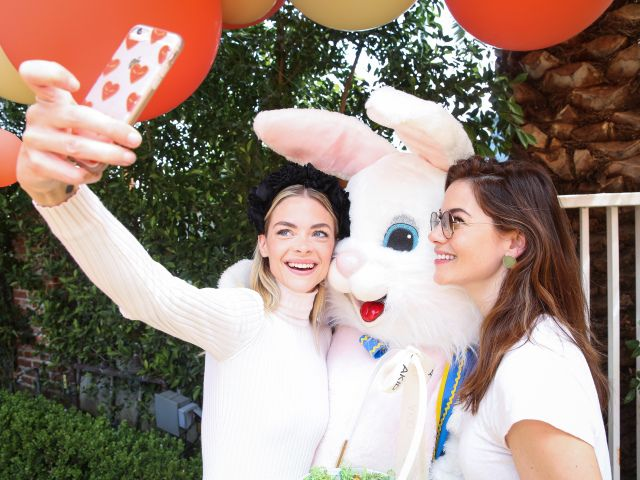 Michelle Monaghan Gavin Rossdale Jaime King and Kids Attend AKIDs Hollywood Egg Hunt