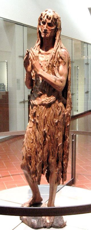 «Мария Магдалина», скульптура Донателло, 1455, Флоренция, музей Дуомо. Святая изображена измождённой, в рубище, после долгих лет отшельничества.