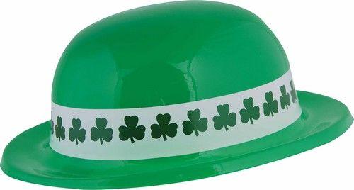 Chapeau melon Saint Patrick : Ce chapeau melon pour adulte est en plastique souple. De couleur vert, il possède un tour de tête de 56 cm environ.Un bandeau en papier blanc imprimé de trèfles est...