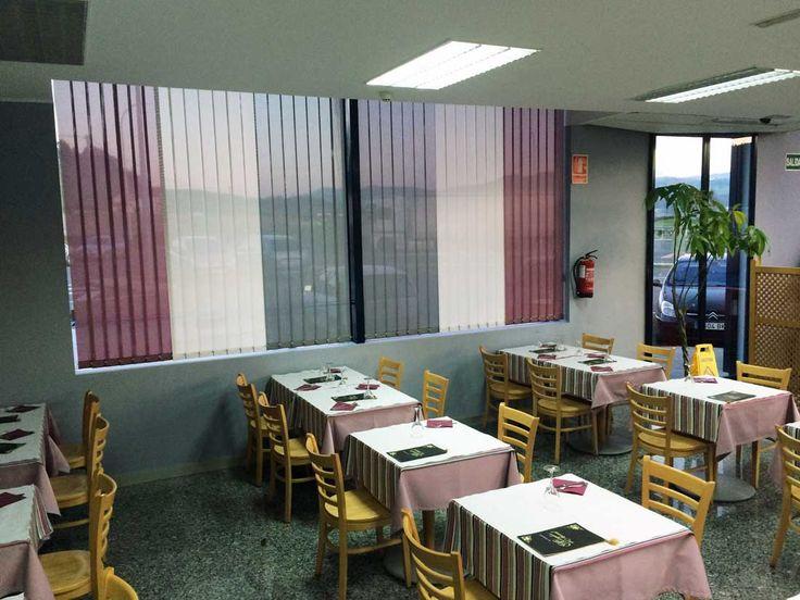 """#Persianas #Verticales en polyscreen combinadas en 3 colores de las colecciones de #Novatex 2000. Trabajo realizado para el restaurante """"El mirador del Arral"""""""