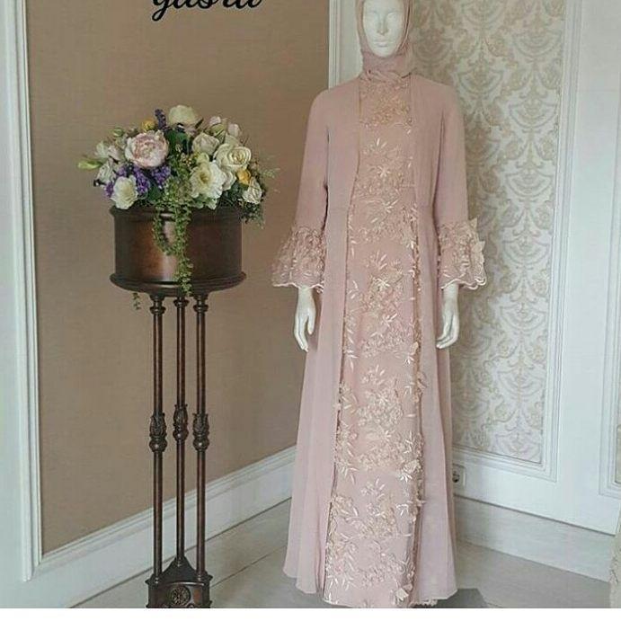 "246 Likes, 4 Comments - Maheswari. id (@maheswarikebaya) on Instagram: ""Mau bikin gaun wedding, lamaran, kondangan yang kaya apa Say?? WA 085725109234 #jasajahitonline…"""