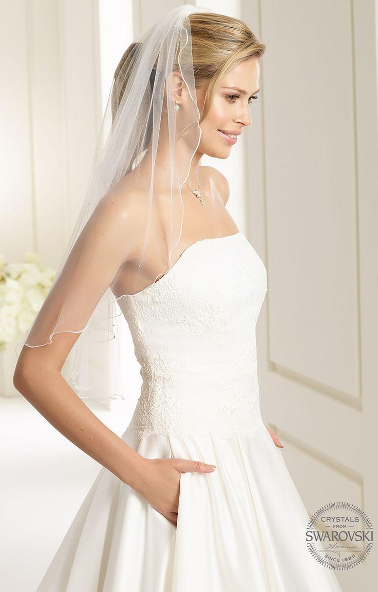 Elegant veil S135 from Bianco Evento #biancoevento #veil #swarovski #weddingdress #weddingideas #bridetobe