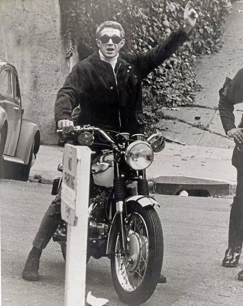 Steve McQueen on his Triumph.
