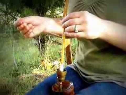 Very good supported spinning tutorial, with a Tibetan spindle.
