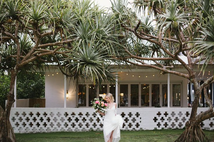 Beach Chic Wedding | borrowed for a day