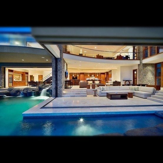 Swimming pool in your living room? Seriously,i want that!